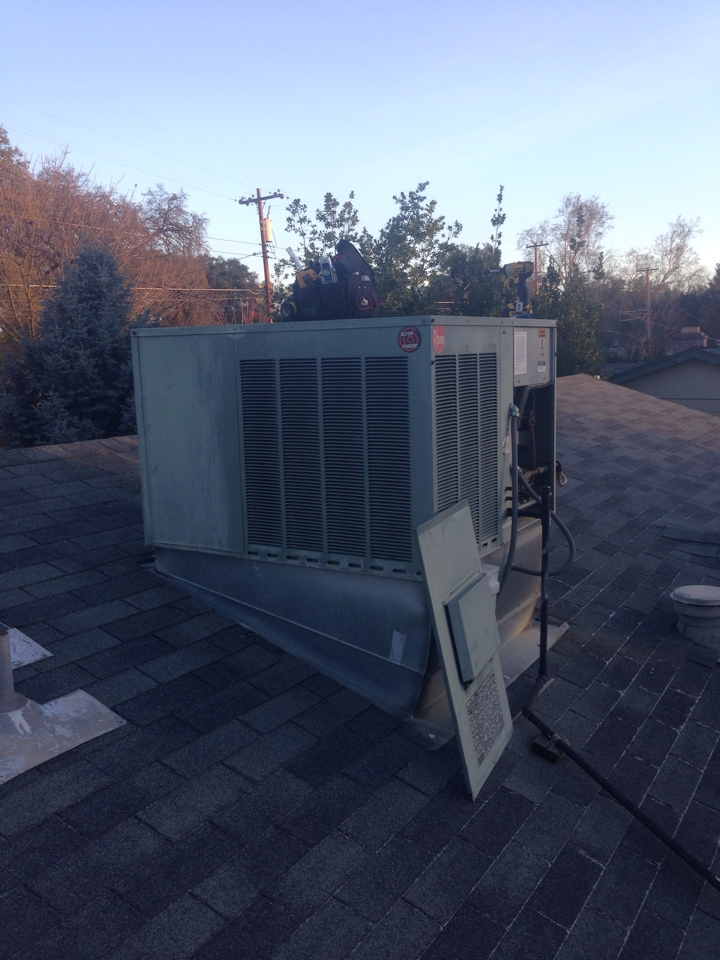 Citrus Heights, CA - Rheem package unit on roof maintenance.