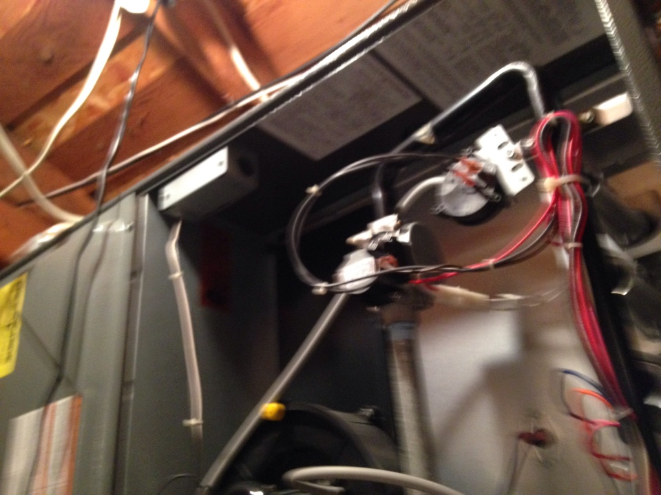 Carmichael, CA - Furnace tune up and service on an amana installation