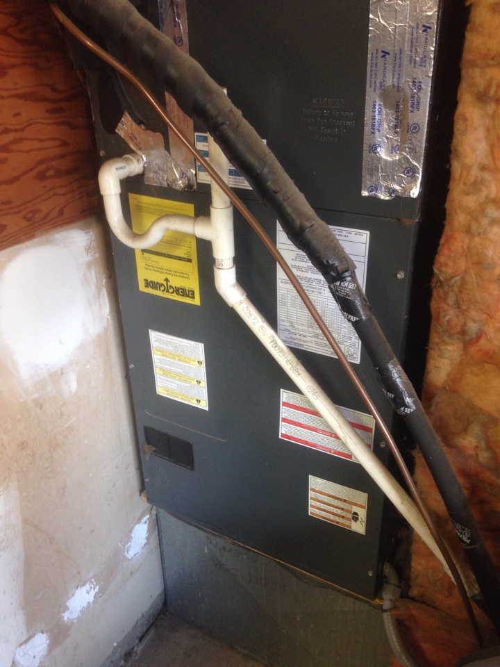 Orangevale, CA - Goodman heatpump diagnostic. Tstat.