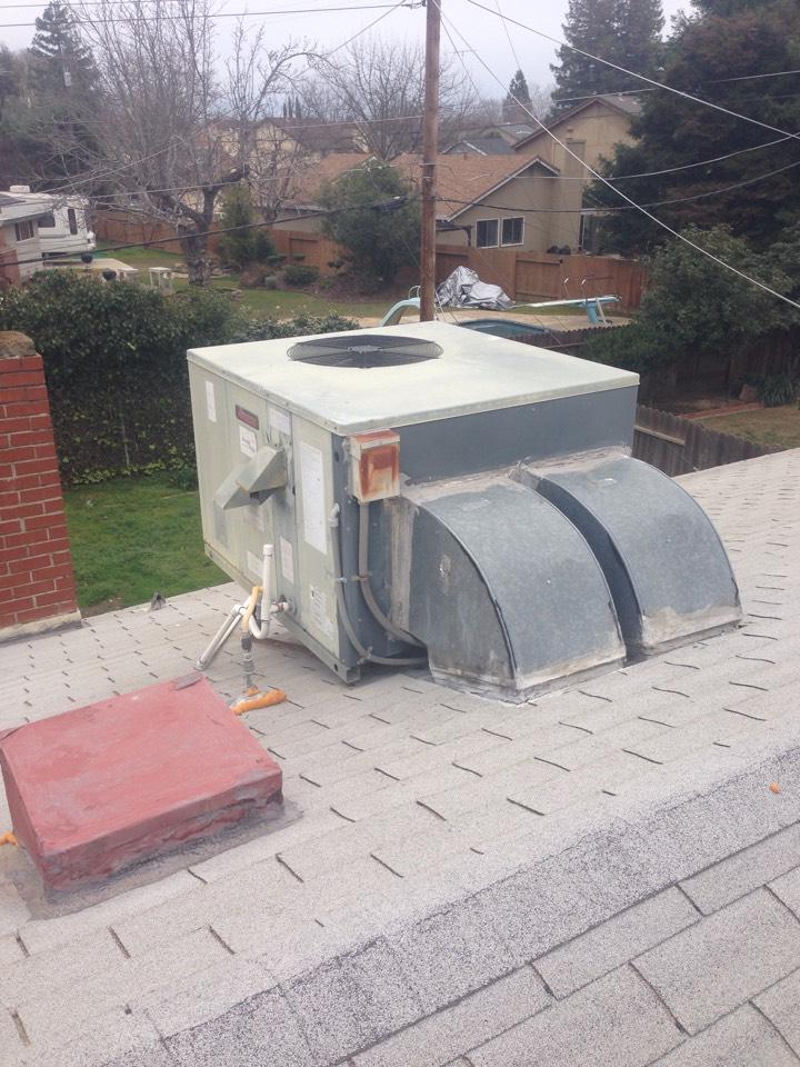 Rancho Cordova, CA - Amana package roof top maintenance.