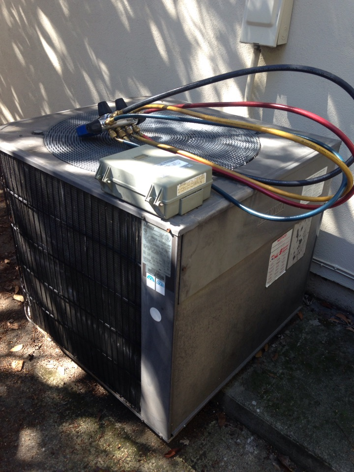 Fair Oaks, CA - Air conditioning service repair and installation on a Lennox