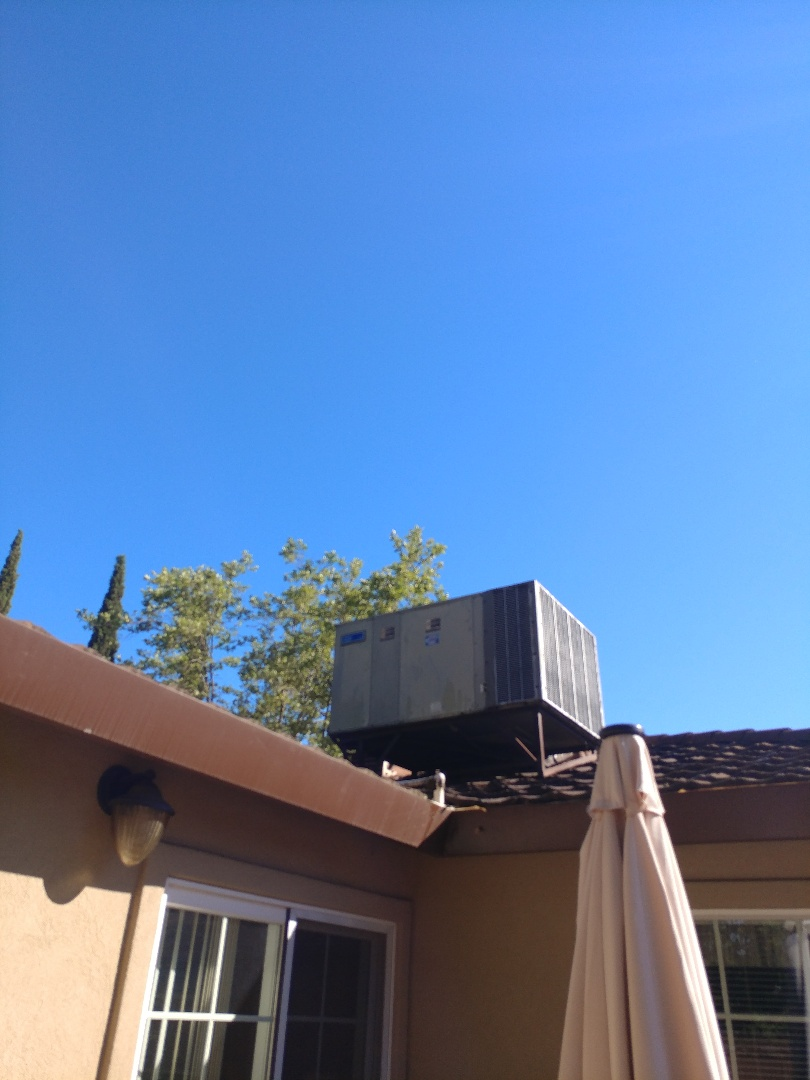 Carmichael, CA - I'm working on a Trane Heat pump package unit in Fair Oaks, CA.