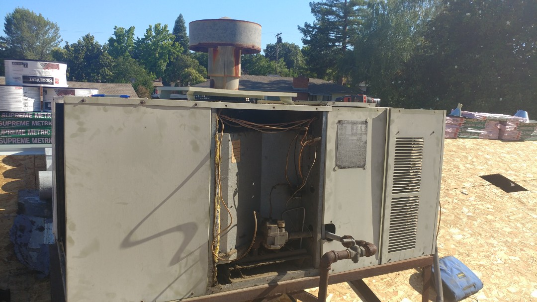 Orangevale, CA - I working on a 30 yrs. Old Rheem gas package unit in Orangevale, CA.