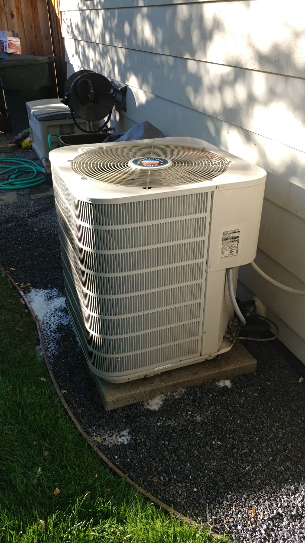 North Highlands, CA - I'm working on a Nordyne 15 yrs. Old A/C unit.