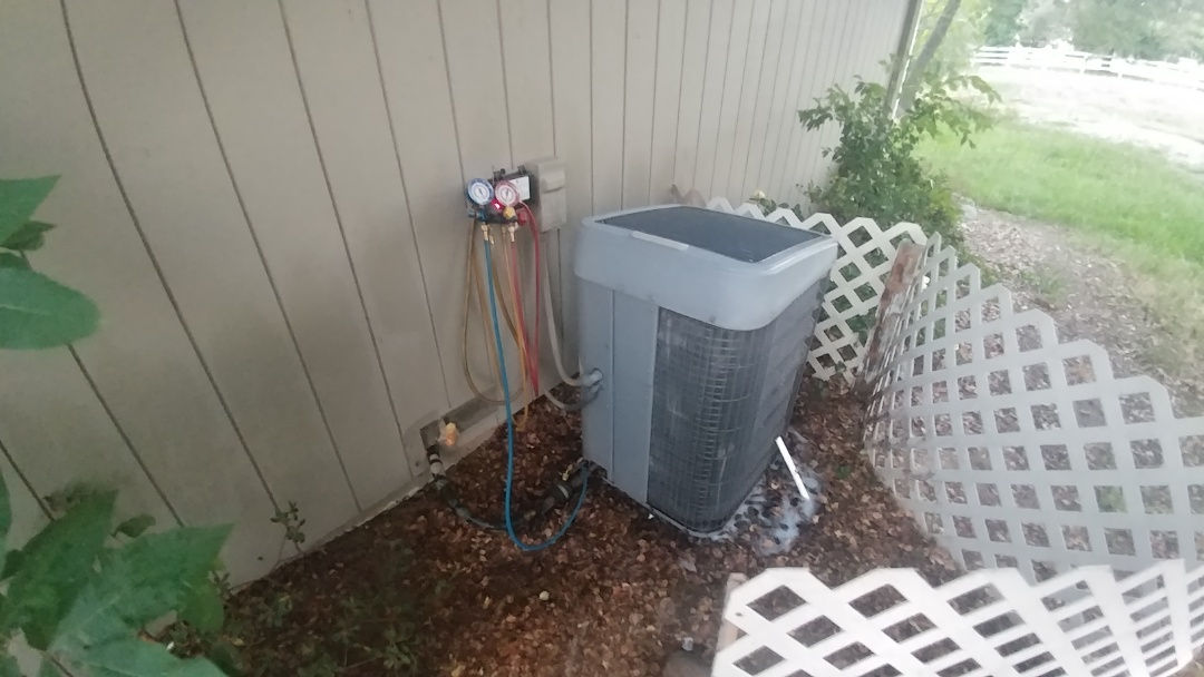 Granite Bay, CA - I'm working on a Tempstar A/C unit located on Granite Bay, Ca