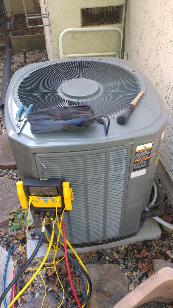 Antelope, CA - I'm working on a 10 yrs. Trane A/C located in Citrus Heights CA.