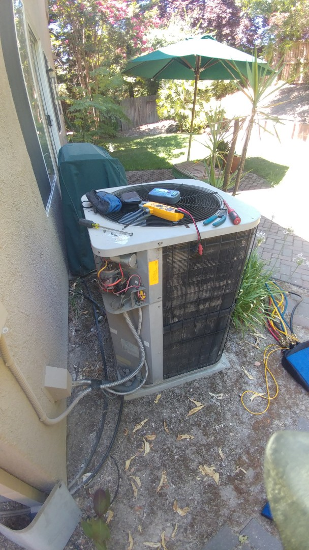 Rocklin, CA - In working on a 20 yrs. Goodman A/C unit lock in in Rocklin, Ca