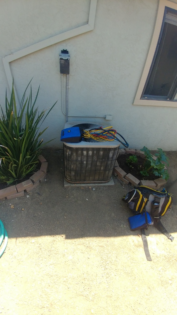 Woodland, CA - I'm working on a 21 yrs. Old Goodman A/C unit located in Woodland, Ca
