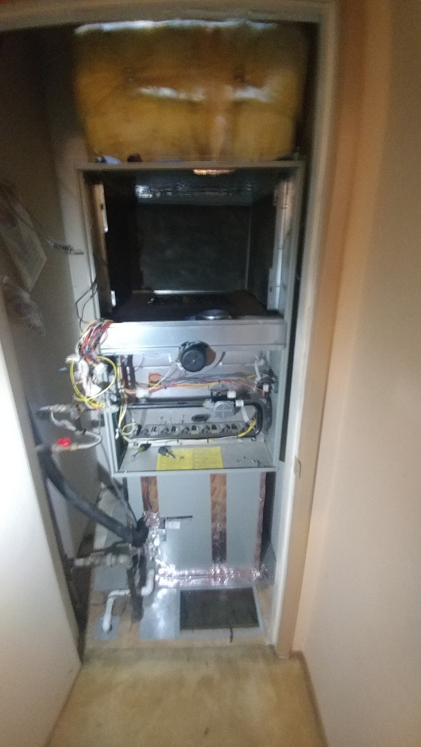 Sacramento, CA - I'm working on a 13 yrs. Old American Standard gas furnace unit located in Sacramento, Ca