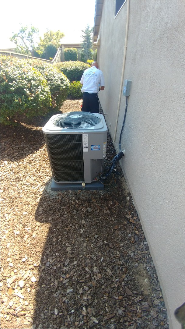 Lincoln, CA - I'm working on a 4 months Day & Night A/C unit located in Lincoln, CA