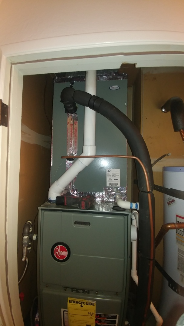 Rio Linda, CA - I'm working on a 7 yrs. Rheem A/C unit Located in Sacramento, Ca
