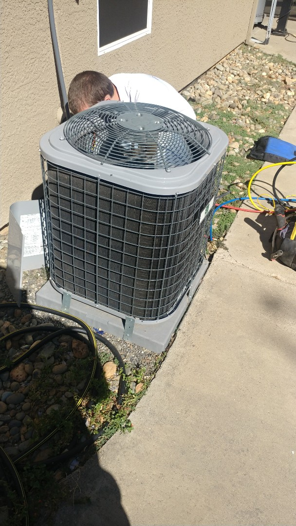 Orangevale, CA - I'm working on a Day & Night A/C