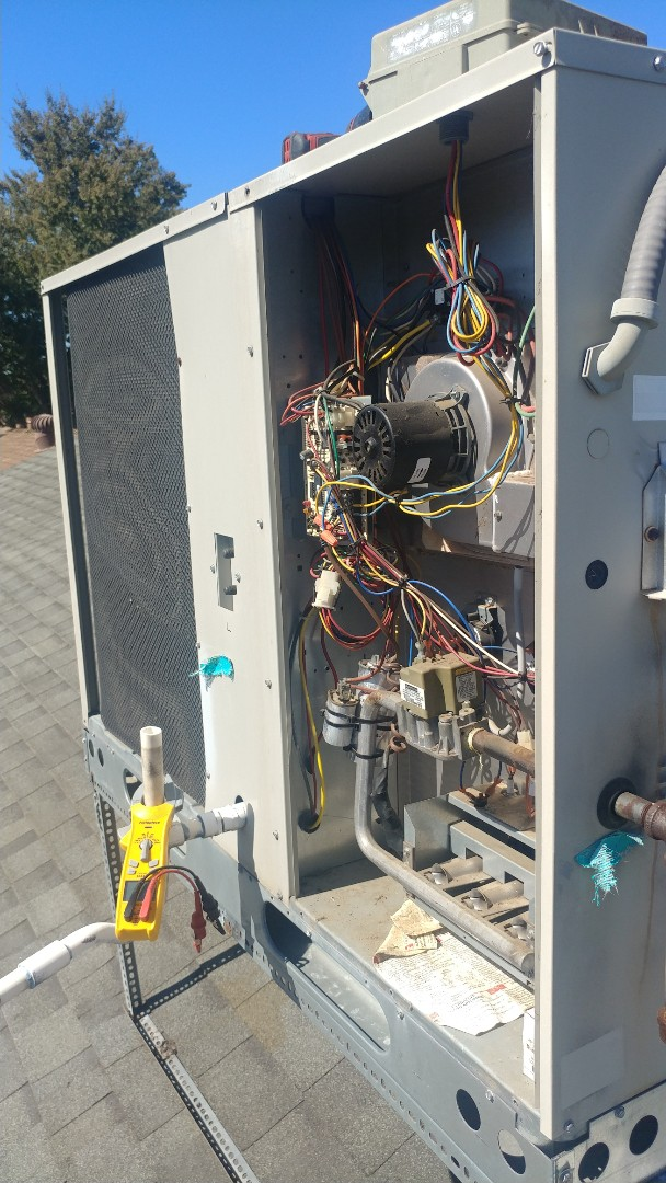 Elk Grove, CA - I'm working on a 14 Yrs. Nordyne Gas Package unit located in Sac, Ca