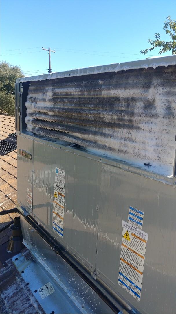Rio Linda, CA - I'm working on a 3 Yr. Old Trane Gas Package unit located in Rio Linda, Ca