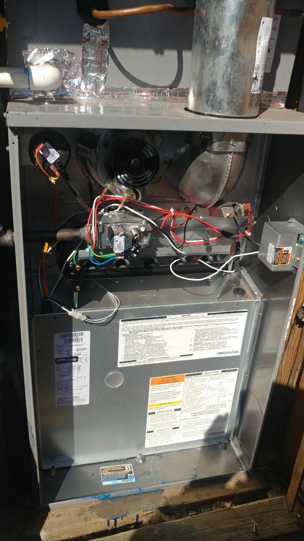 Folsom, CA - I'm working on a 2 months old Gas Furnace unit located in El Dorado Hills, Ca