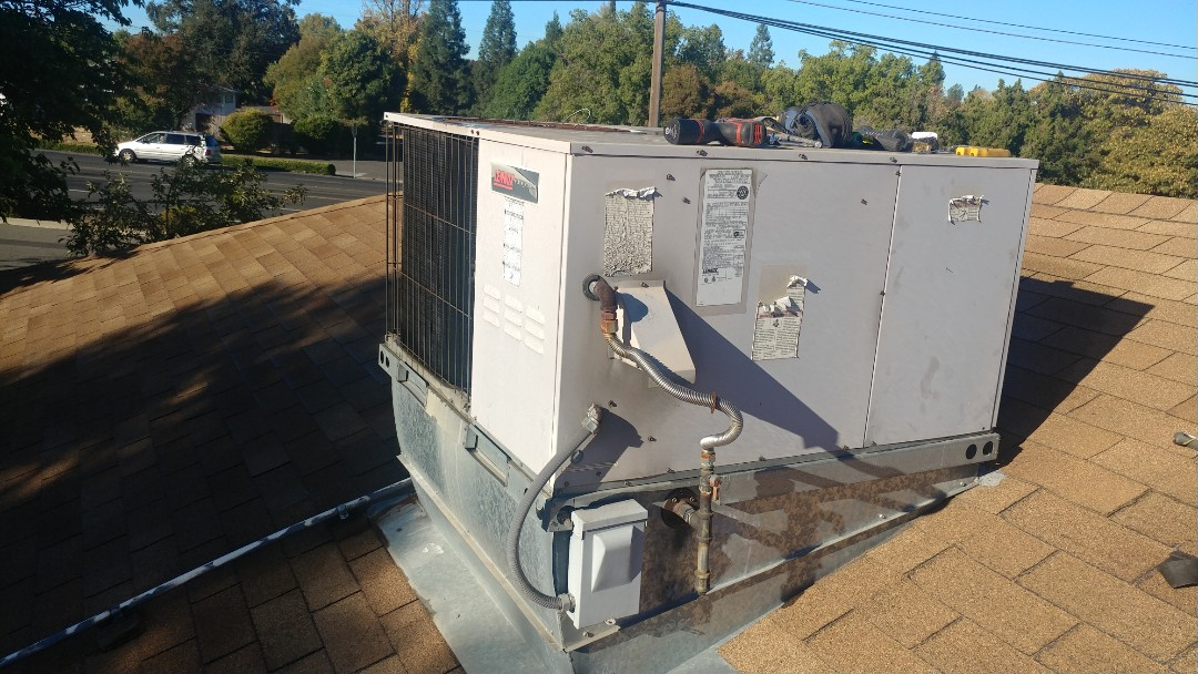 Rancho Cordova, CA - I'm working on a 16 yrs. Lennox Gas package unit located in Rancho Cordova, Ca