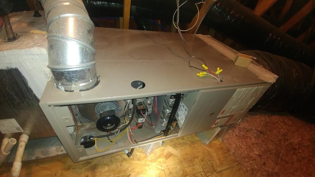 Sacramento, CA - I'm working on a 18 yrs Goodman gas furnace located in Elk Grove, Ca