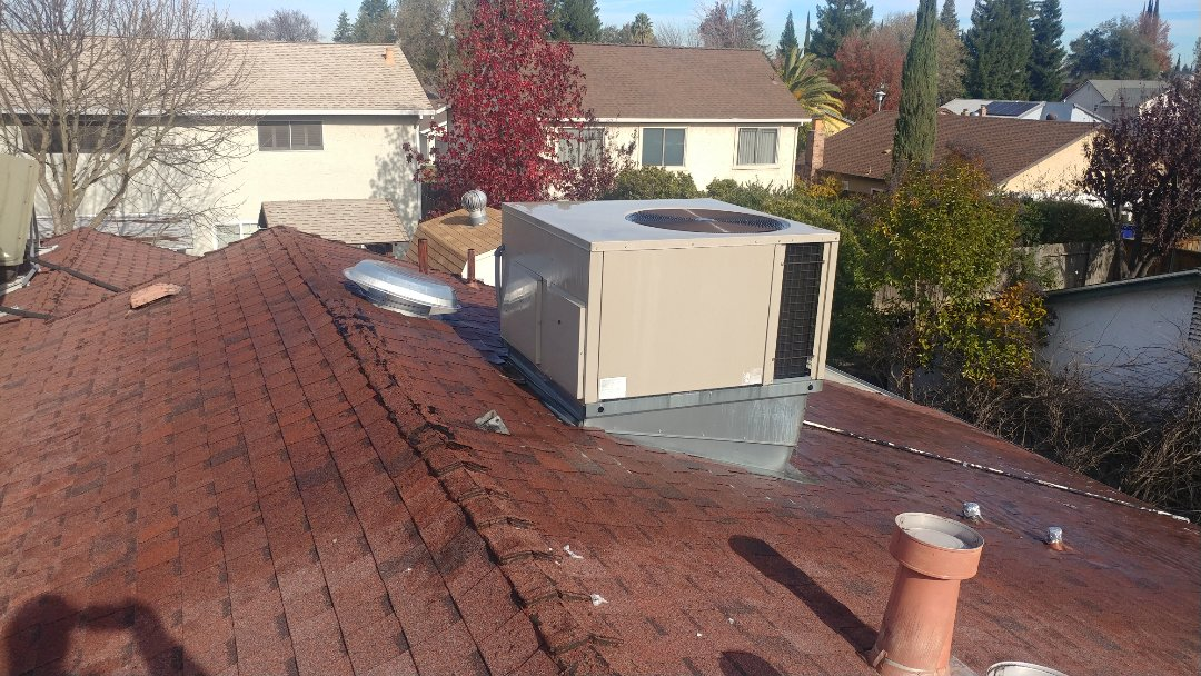 Citrus Heights, CA - I'm working on a 14 years old Amana Gas Package unit located in Citrus Heights