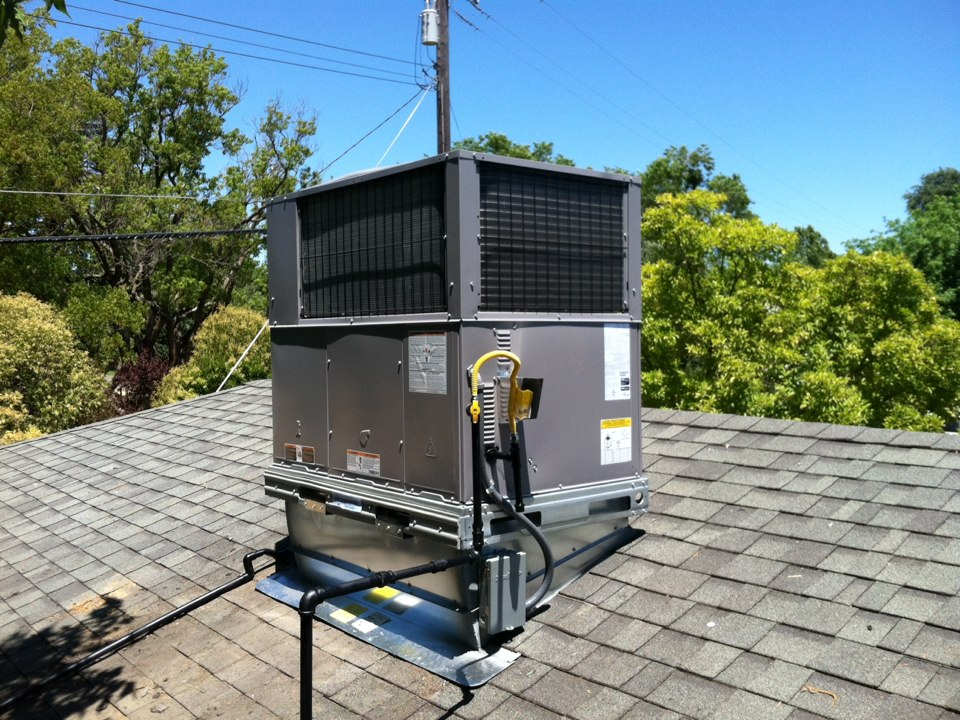 North Highlands, CA - Package on the roof with new stand