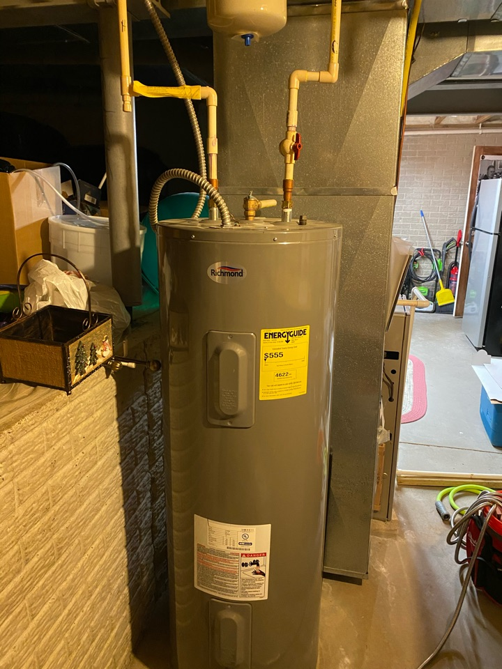 Lancaster, OH - Flushing an electric Richmond hot water tank