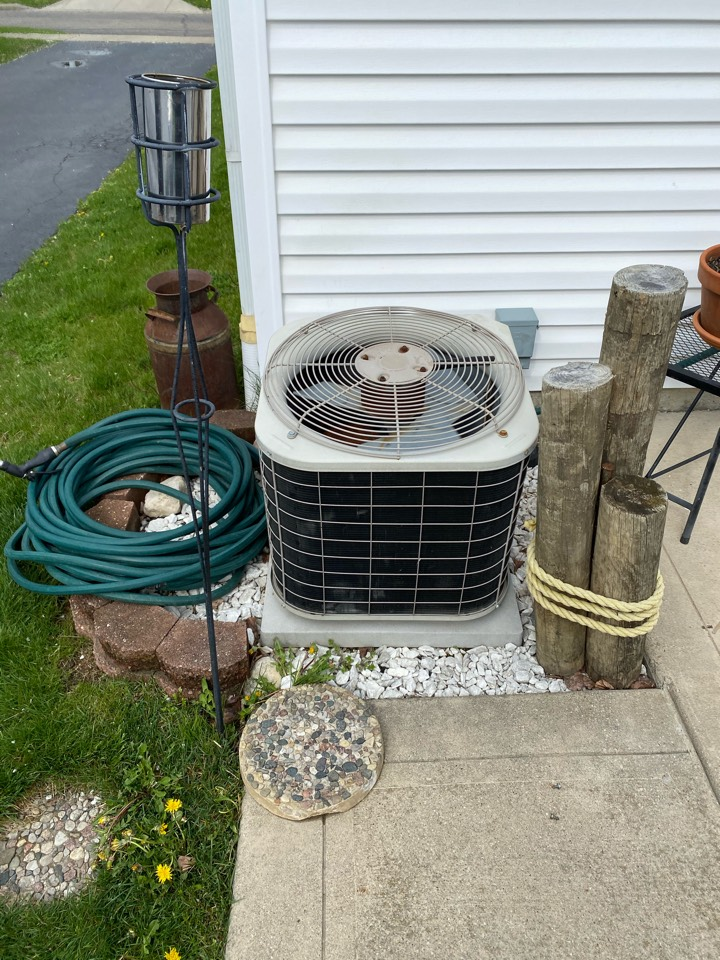 Grove City, OH - Replaced a capacitor in a carrier r22 unit in grove city Ohio