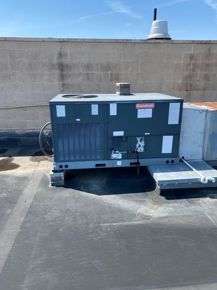 Grove City, OH - Working on a Goodman package unit in grove city Ohio