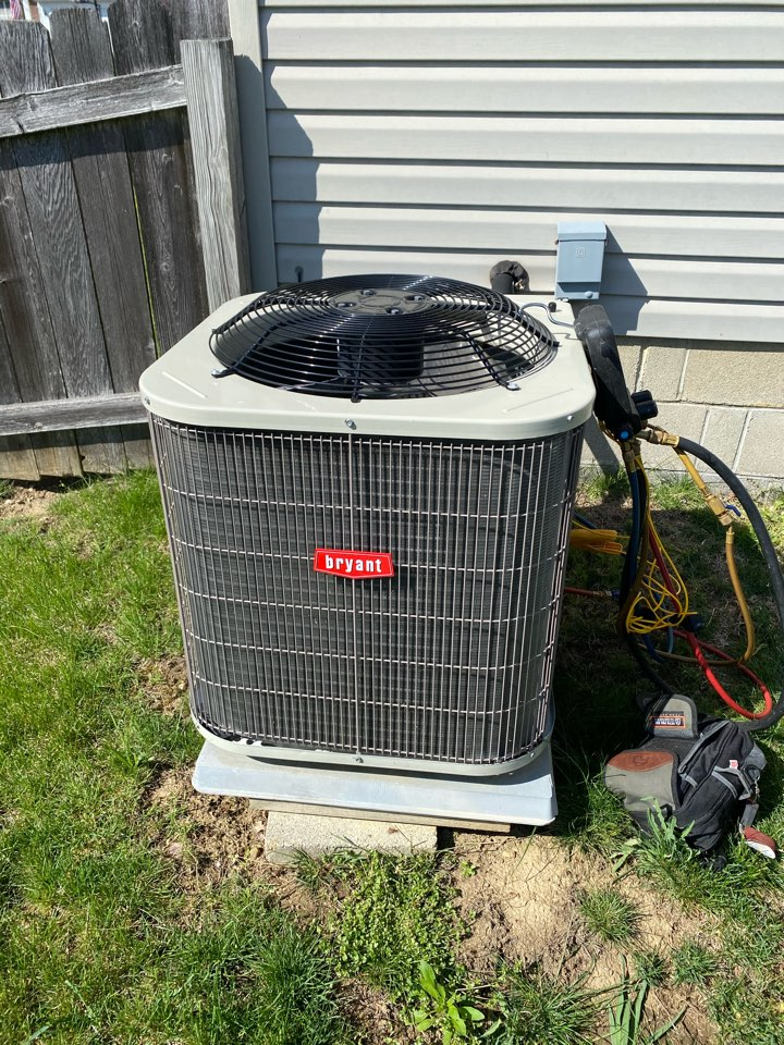 Westerville, OH - Working on a Bryant air conditioner in Westerville Ohio