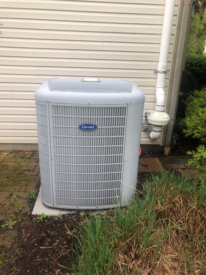 Dublin, OH - Checking pressures cleaning coil and doing yearly maintenance on a carrier air conditioner