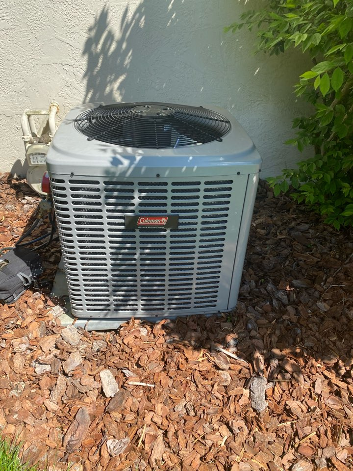 Powell, OH - Doing maintenance on a Coleman air conditioner in Powell Ohio