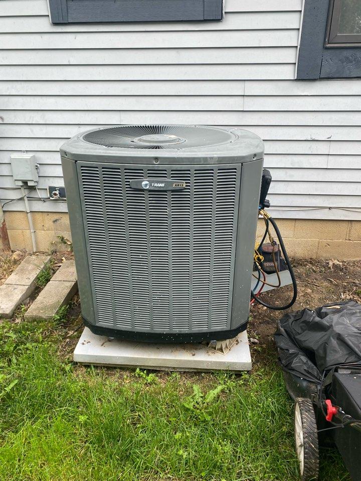 Reynoldsburg, OH - Maintenance on a trane air conditioner in pickerington Ohio