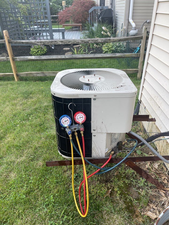 Dublin, OH - Checking pressures and doing yearly maintenance on a Goodman air conditioner