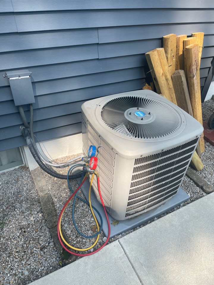 Hebron, OH - Checking pressures cleaning coil and doing yearly maintenance on a Goodman air conditioner
