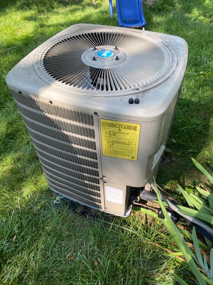 Hilliard, OH - Maintenance on Goodman heat pump in Hilliard Ohio