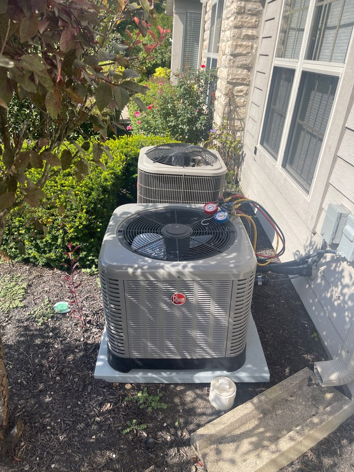 Grove City, OH - Checking pressures and doing yearly maintenance on a Rheem conditioner