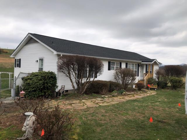 Hendersonville, NC - Completed GAF Golden Pledge by Balken Roofing in Hendersonville, NC