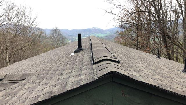 Waynesville, NC - Completed Golden Pledge Roofing Installation in Waynesvillle, NC by Balken Roofing. The only choice for residential roofing in WNC.