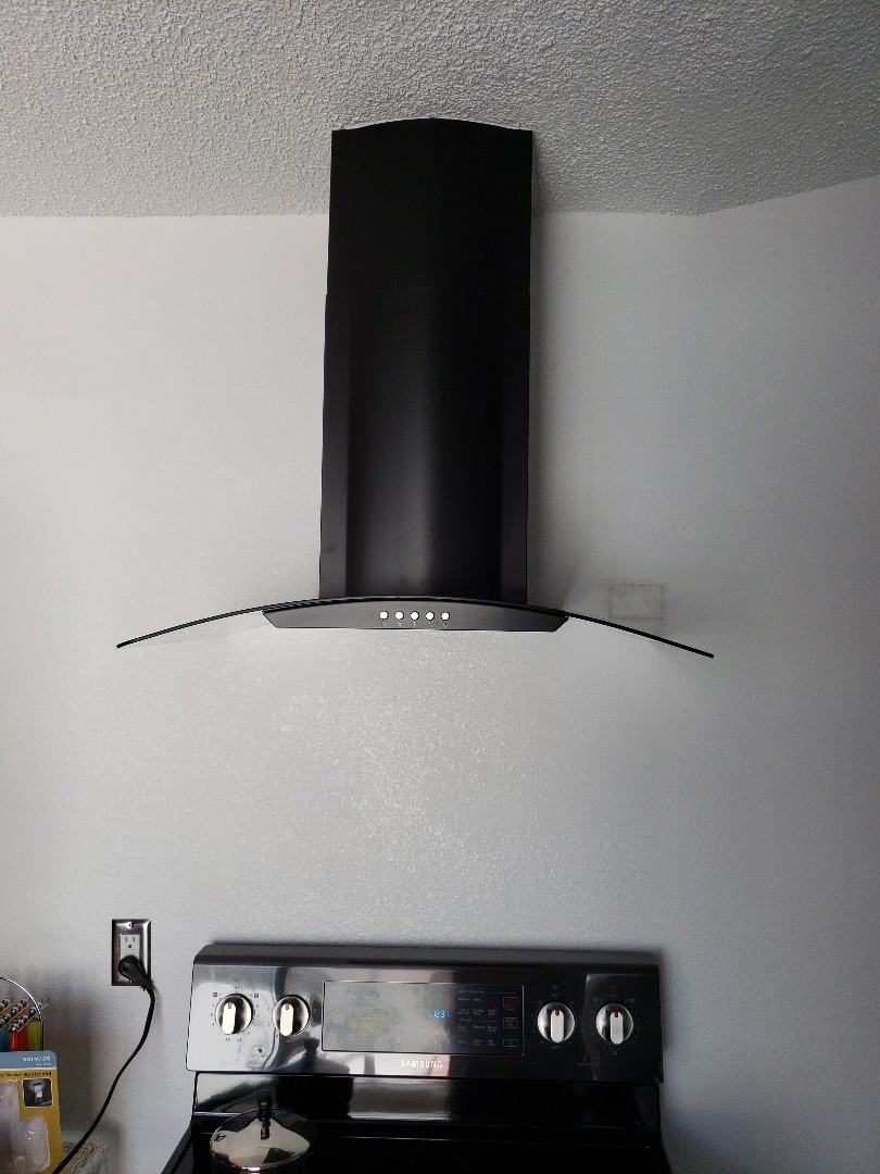 Installed range hood in Sarasota