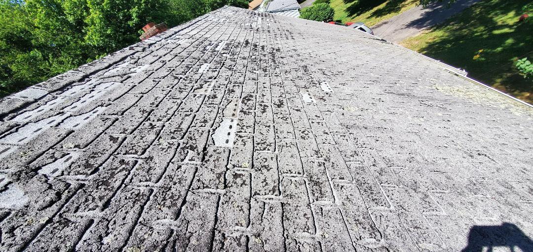 Fairfield, CT - Roof replacement estimate, client has noticed some leaks, roof has past its life spam.  Roof replacement in a few weeks.