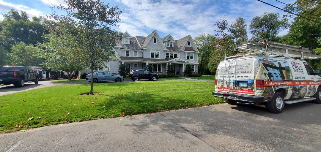 Greenwich, CT - Roof replacement on flat roof, Epdm rubber roof system.