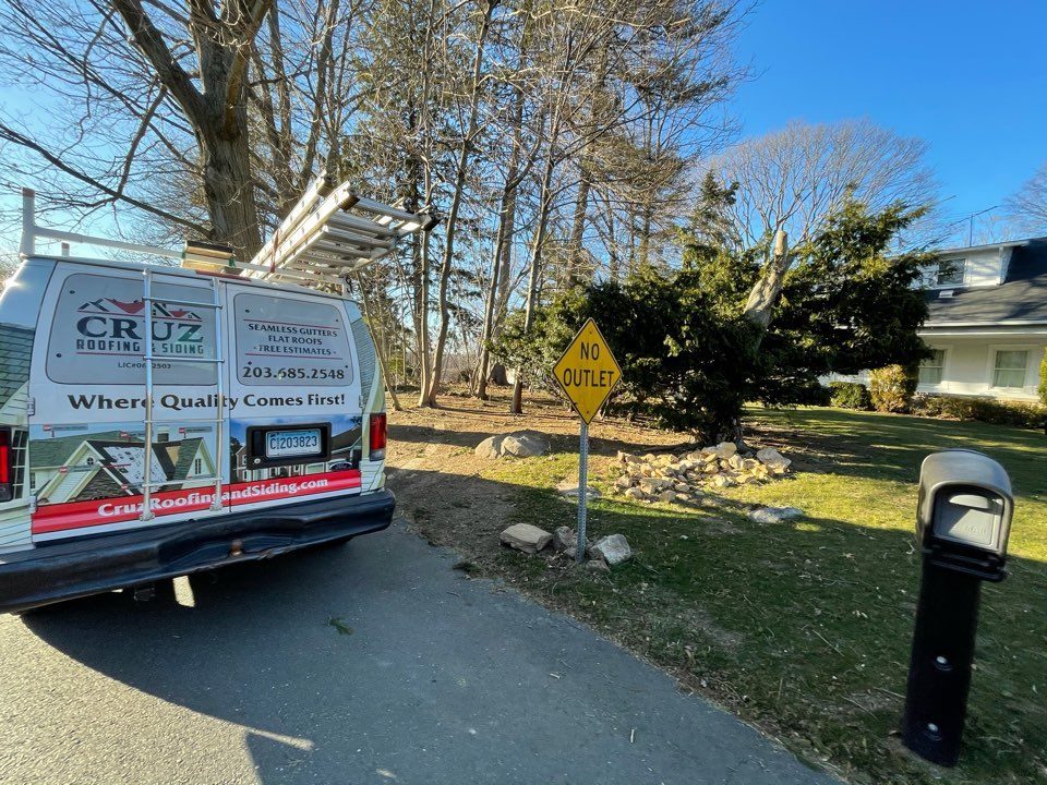 Greenwich, CT - James Hardie siding replacement free estimates
