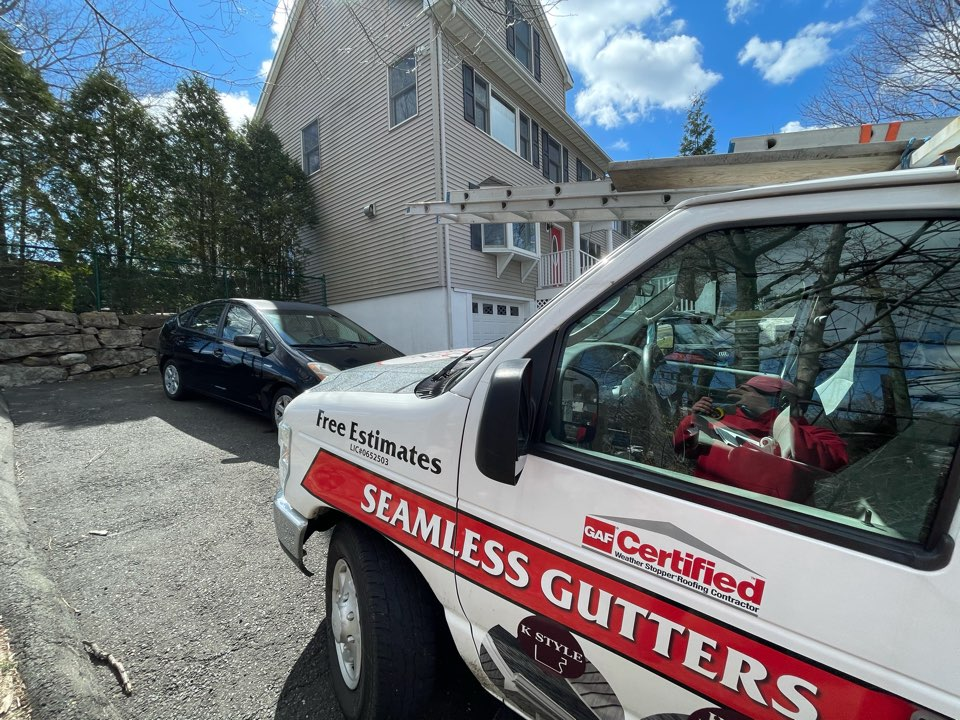 Greenwich, CT - Roof replacement with James Hardie Siding. Free estimates.