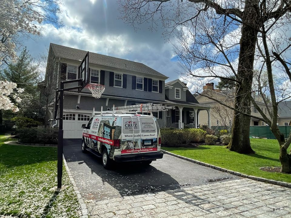 Greenwich, CT - Roof leak, we will be replacing flat roof with a epdm 30 year roof system.