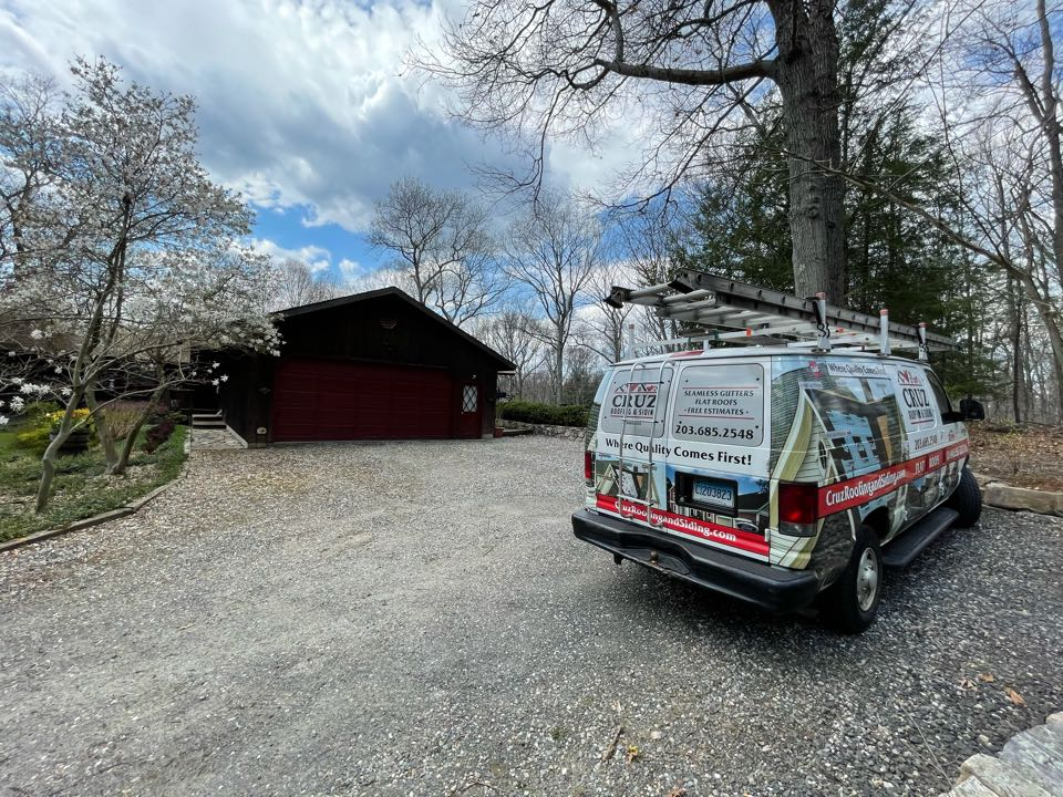 Newtown, CT - Roof replacement in two weeks. GAF timberline roof system.