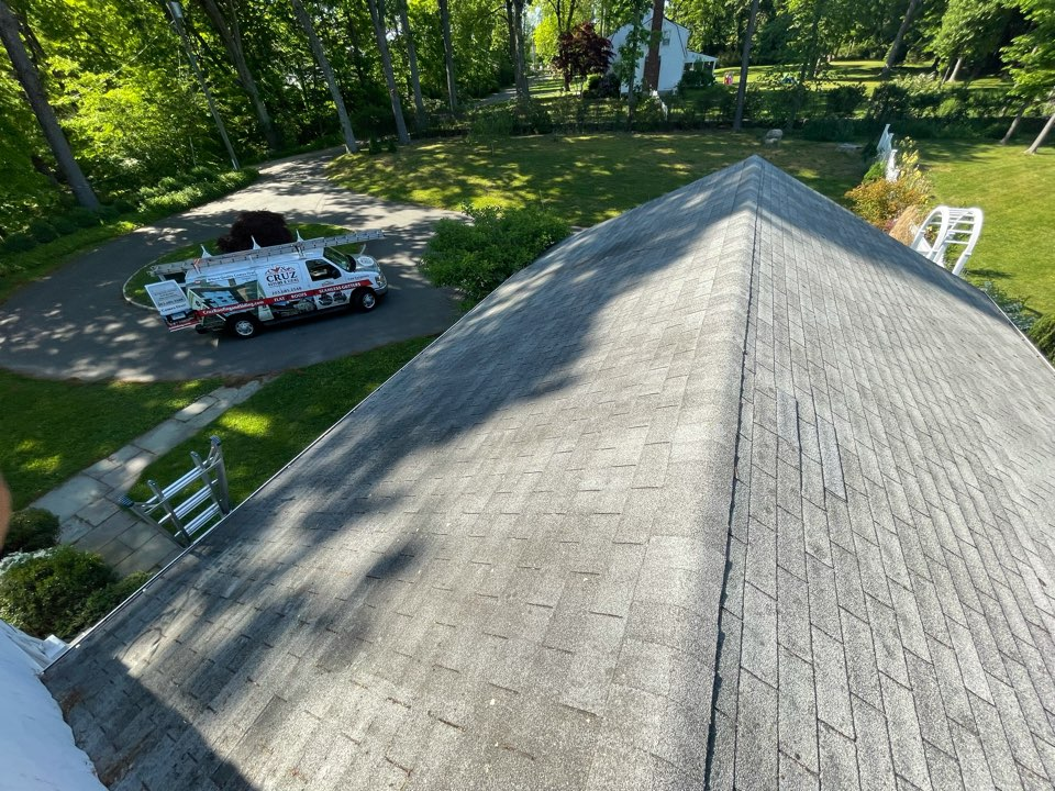 New Canaan, CT - Roof replacement, our new clients just purchased this beautiful home and needs a new roof. We will be installing a new Owens Corning roof system.