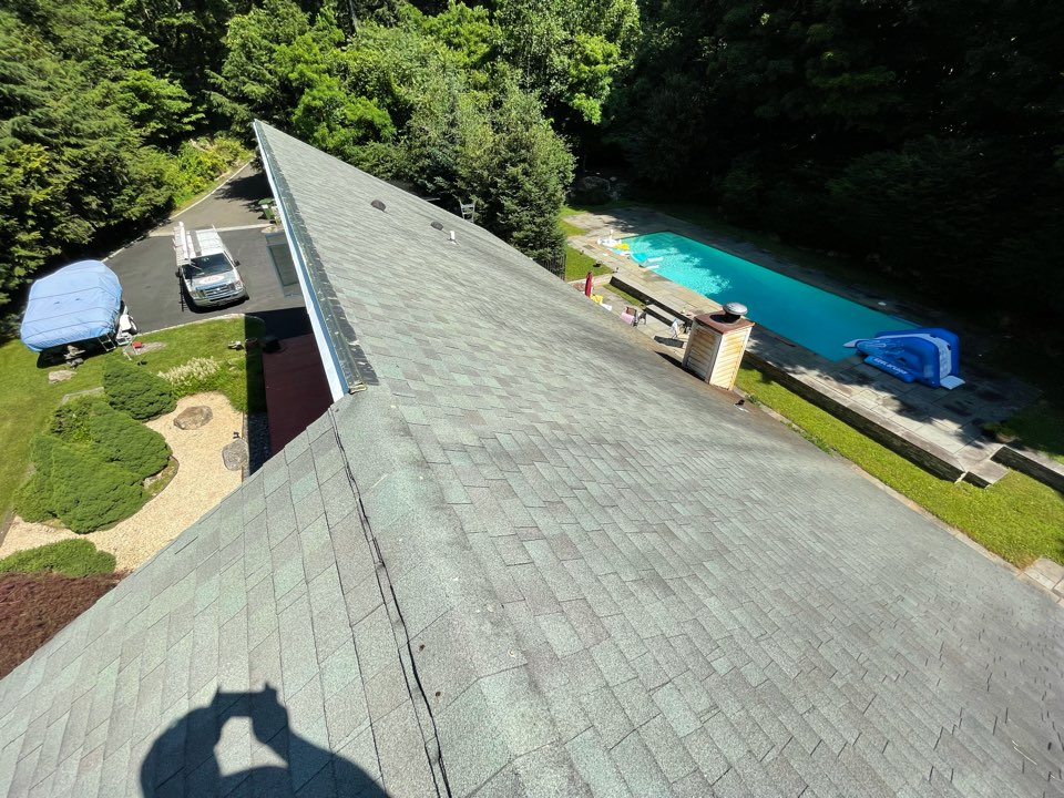 Greenwich, CT - Roof replacement. GAF Timberline in color weatherwood will be installed on this home.