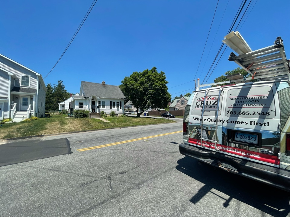 Fairfield, CT - Roof replacement, new Owens Corning in color onyx black.