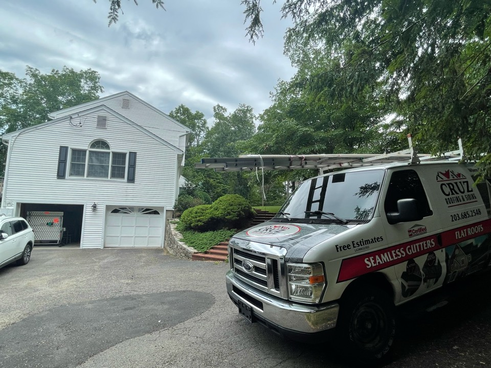 Weston, CT - Roof replacement, new Owens Corning roof system on our clients new home.