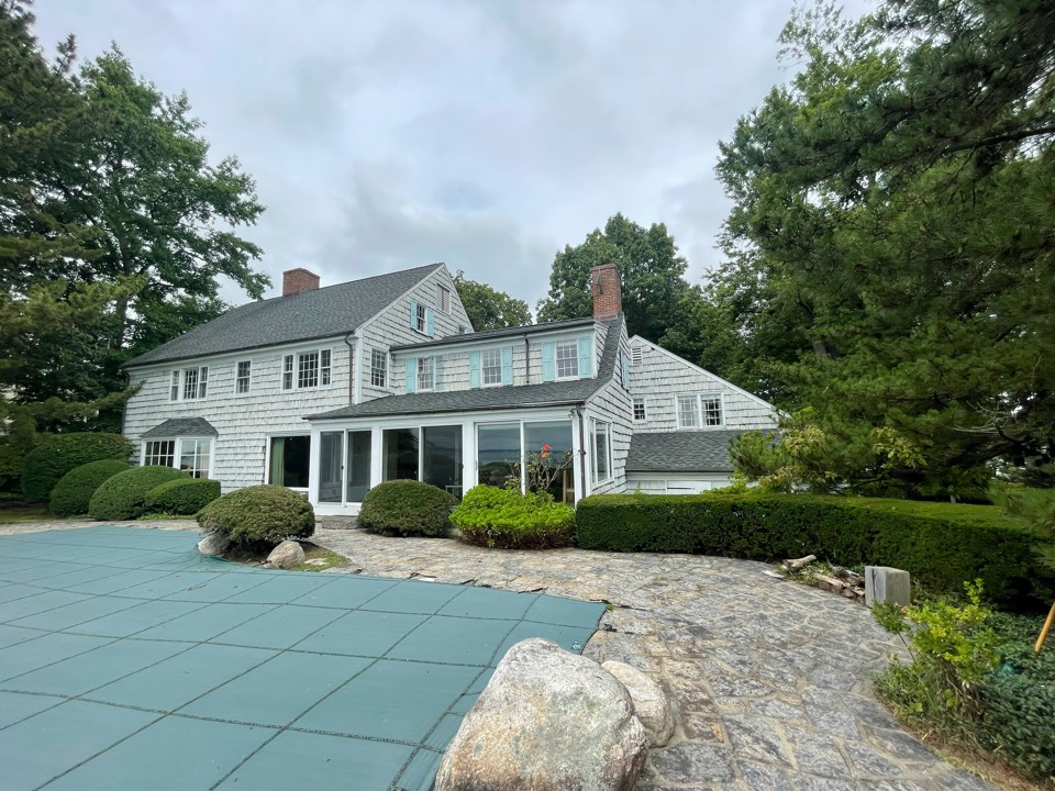 Greenwich, CT - Roof replacement, New GAF Timberline roof system in color charcoal.