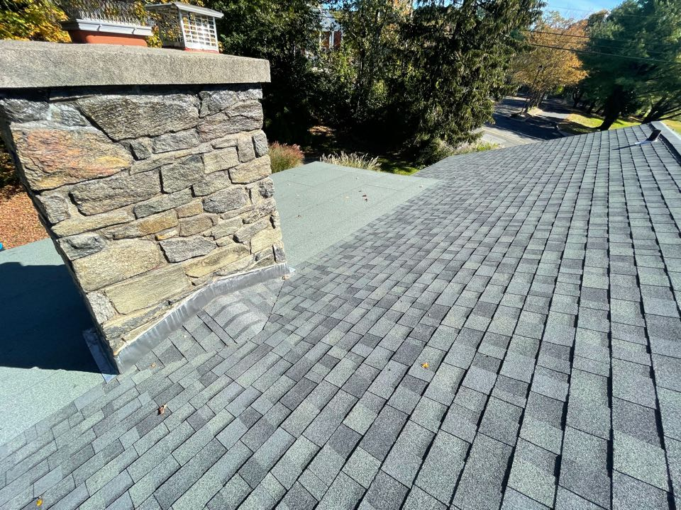 Trumbull, CT - Roof replacement in Trumbull Connecticut, we will be installing a new GIAF Timberline roof system and color slate.
