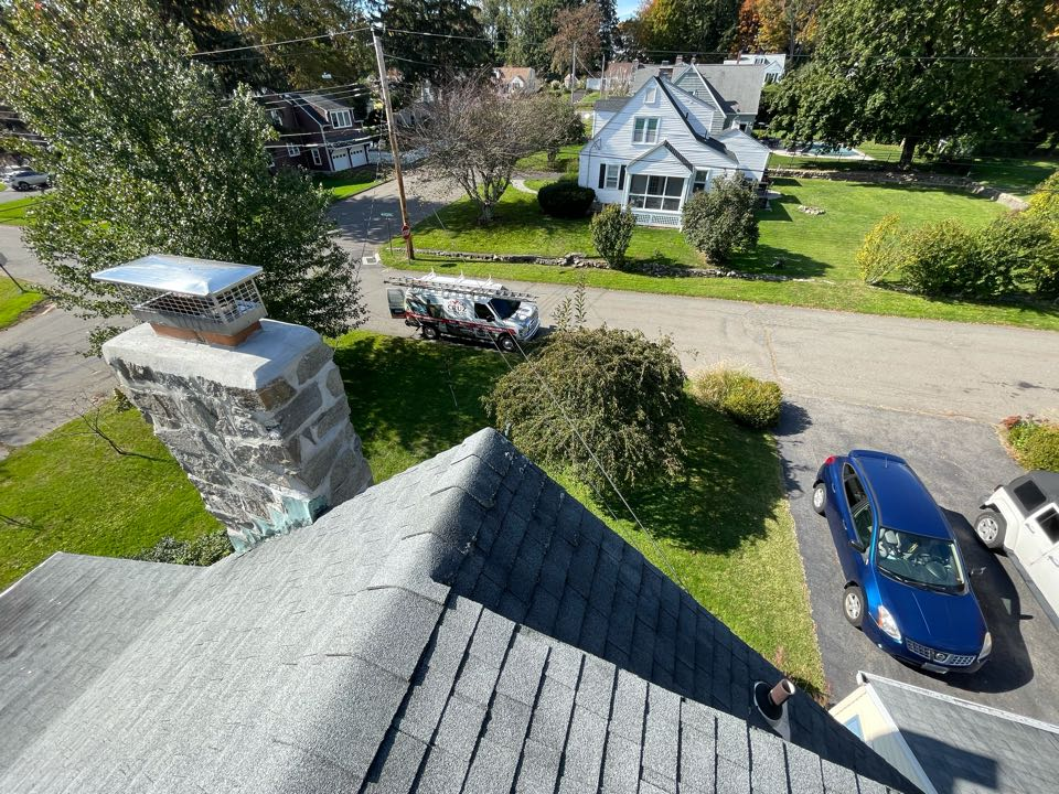 Trumbull, CT - Roof replacement in Trumbull Connecticut, We will be installing a new Owens corning total roof protection system and color onyx black.
